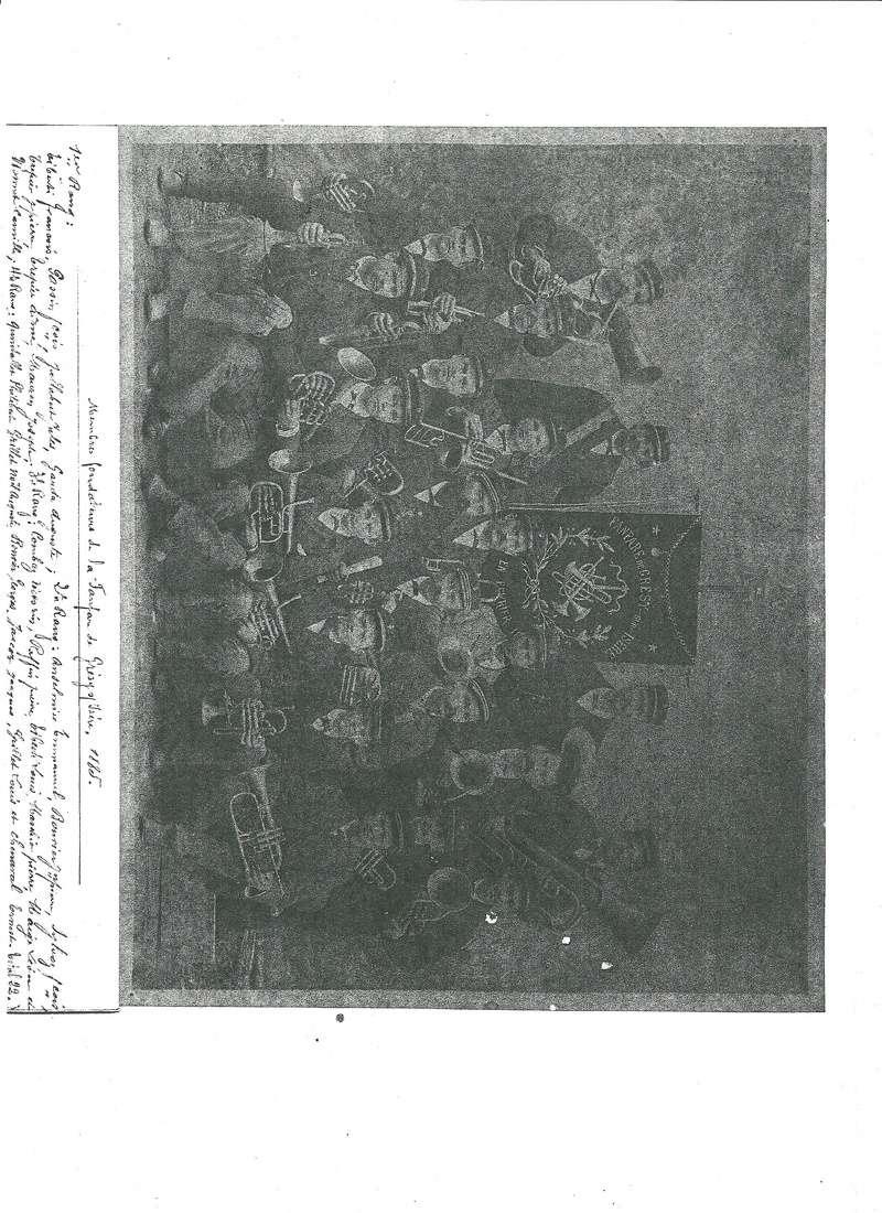 uniforme de l'artillerie de marine - Page 3 Musiqu10