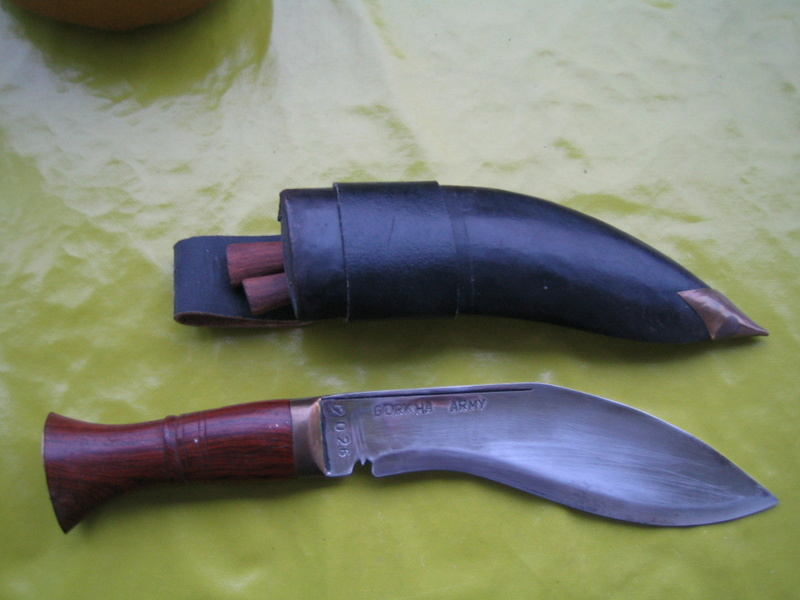 Ma collection au complet - Page 10 Kukri_10