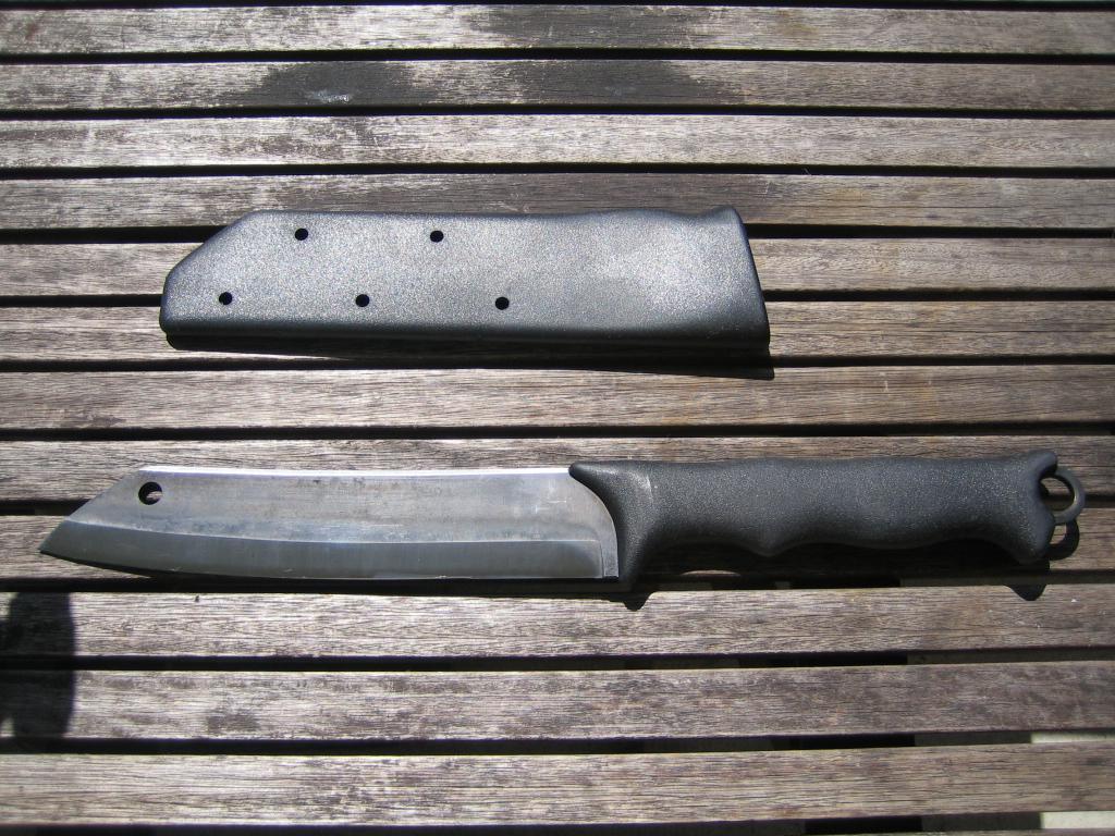Haches ,couteaux et divers . - Page 3 Skrama12
