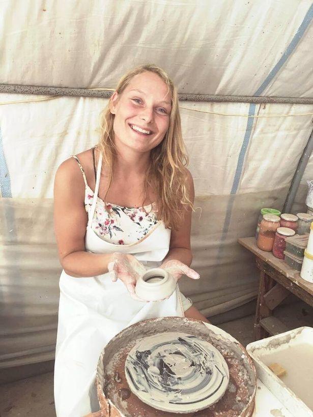 tales of 5 tourists Carla Stefaniak 36 & Grace Millane  22 & Sarah Papenheim 21 0_loui11