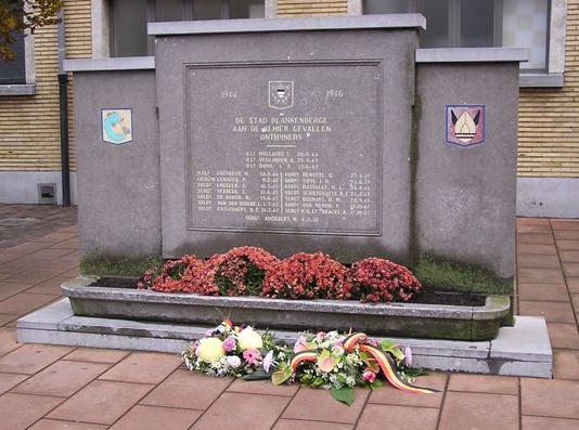 Hommage aux 7 plongeurs-démineurs morts le 10 juin 1969 Dyn00110