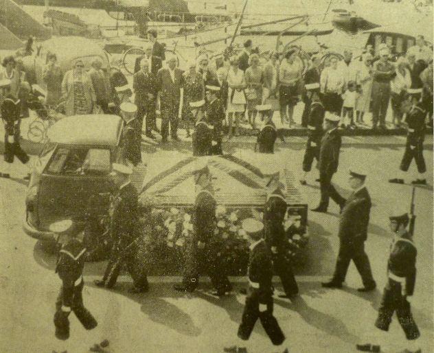 Hommage aux 7 plongeurs-démineurs morts le 10 juin 1969 P1080710
