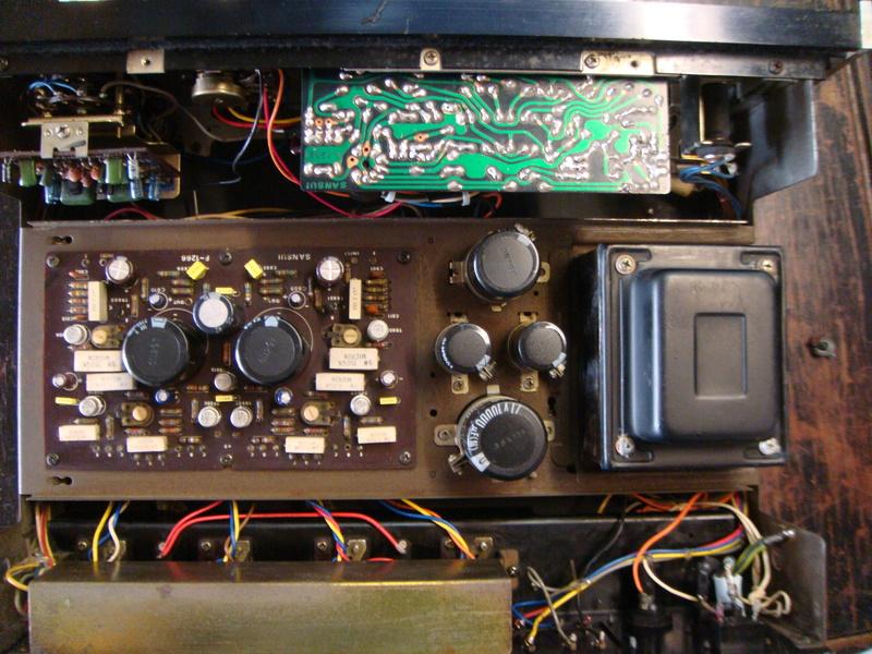 Sansui AU-555A integrated amplifier (sold) Dsc06615