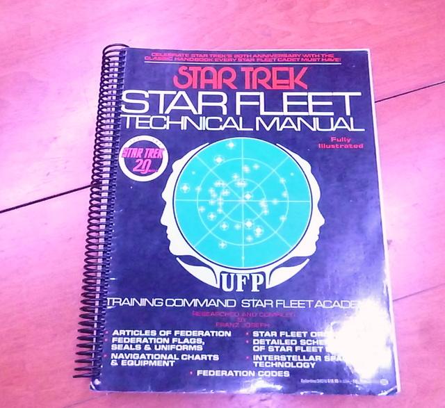 """Star Trek """"Classe Saladin"""" Destroyer P1040511"""