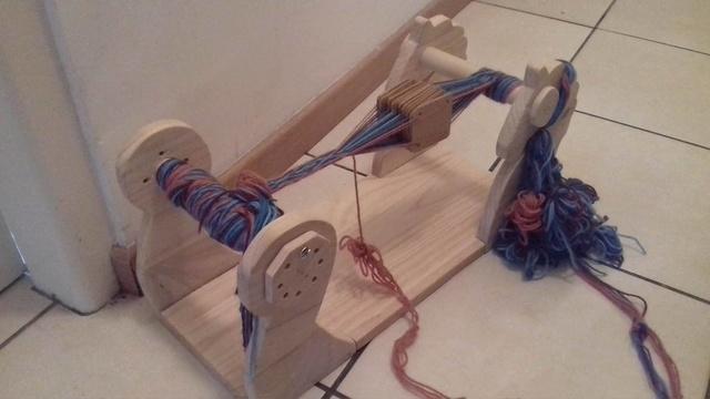 [Bricolage] Fabrication d'un métier à tisser les galons  21985510