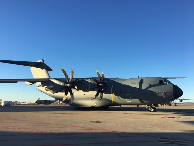"""A400M, l'Airbus militaire de pointe : """"L'ATLAS"""" C'est le nouveau cargo du ciel, pour l'armée de l'air. Un monstre d'acier et d'électronique, qui repousse les limites des avions de transport militaire. A400m_10"""