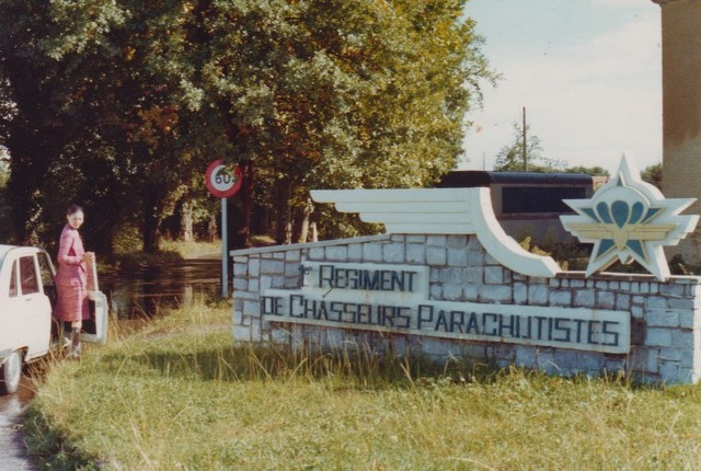 VISITE du Camp d'IDRON en 1974, un premier pas vers l'AMICALE des anciens du 1er RCP en 1979. Numyri10