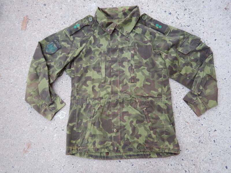 Estonian Defense League uniforms Dscn7711