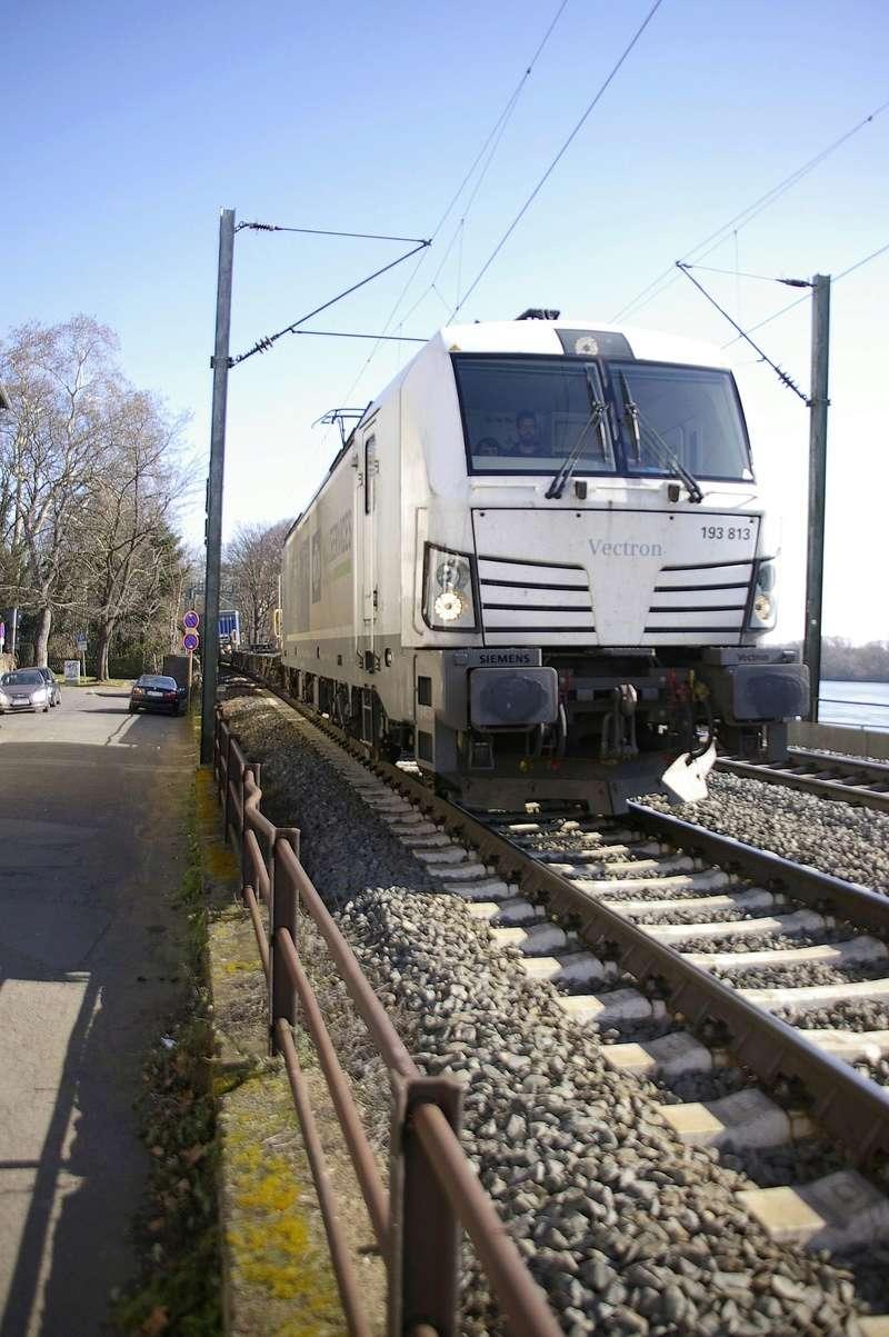 Was die Züge so bewegt ... - Seite 7 193_8110