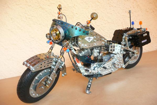 Jouets, jeux anciens et miniatures sur le monde Biker - Page 22 Harley12