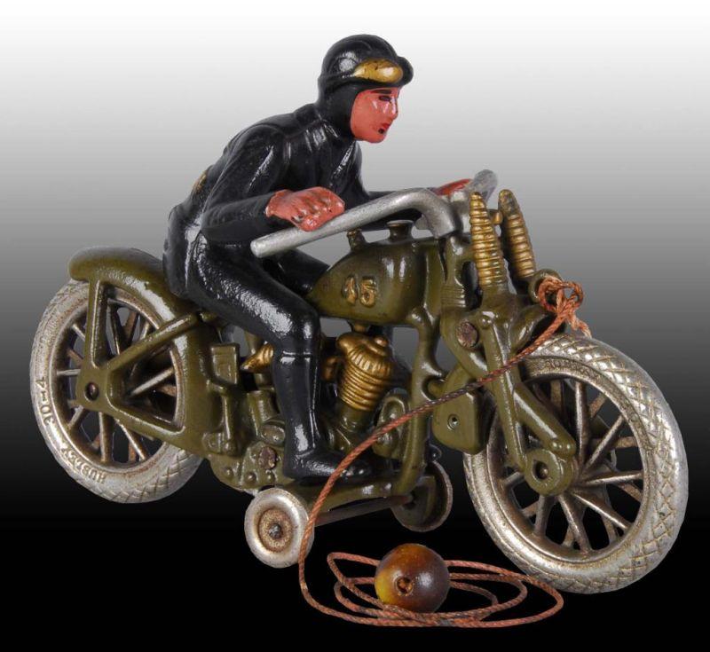 Jouets, jeux anciens et miniatures sur le monde Biker - Page 22 Harley18