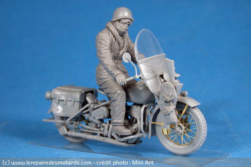 Jouets, jeux anciens et miniatures sur le monde Biker - Page 23 Moto-j11