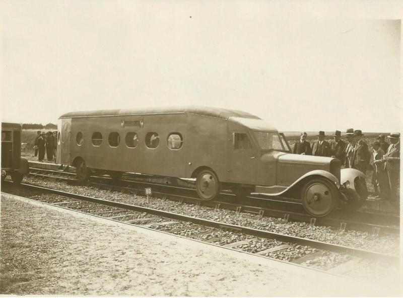 Paris-Chartres 23 juillet 1931 la Micheline voiture sur rail équipée de roues pneumatiques 615_0013