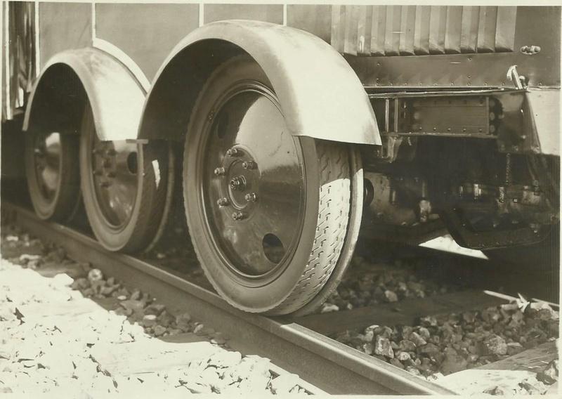Paris-Chartres 23 juillet 1931 la Micheline voiture sur rail équipée de roues pneumatiques 742_0013
