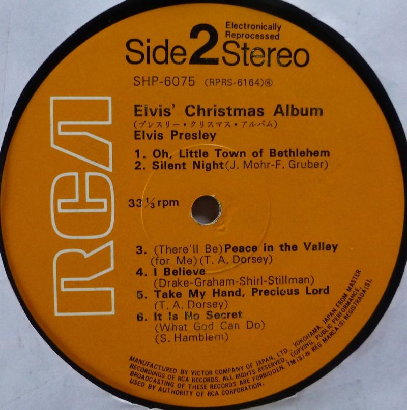 ELVIS' CHRISTMAS ALBUM Elvis_15