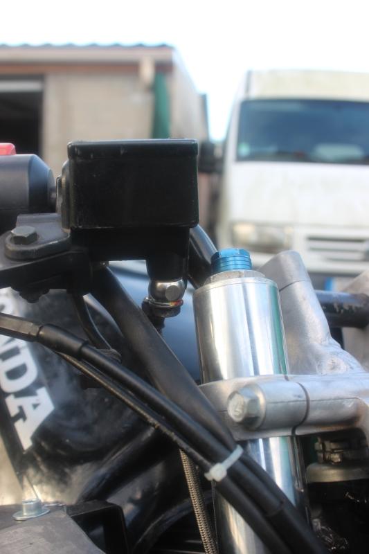 Montage de deux 500 CB pour la Vitesse en Moto Ancienne - Page 2 Ph14_i11