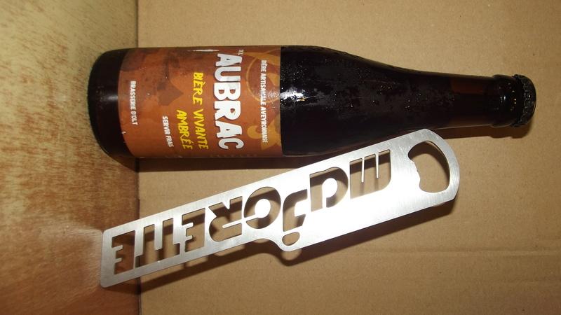 Ouvre bouteilles. Dscf2310