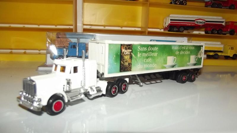 N°604 Kenworth + semi remorque container  ( version lisse ) Dscf2538