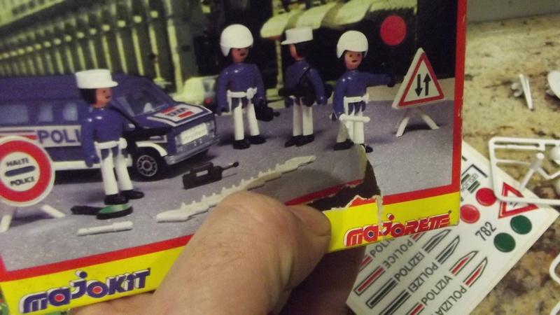 N°782 POLICIER Dscf3138