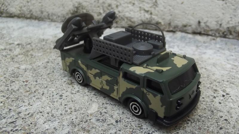 N°220-2 Camion lance missiles , Missile launcher. Dscf3548