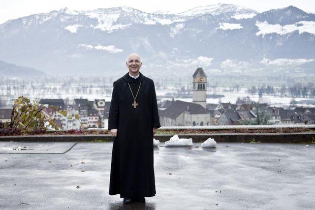 Nouvelles signatures pour la profession de foi de Mgr Athanasius Schneider sur mariage ! Topele10