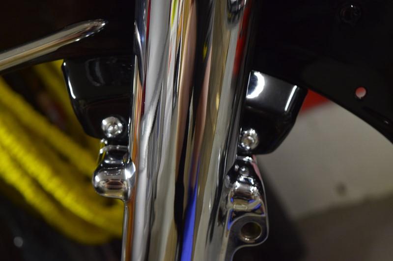 Problème avec une roue de 21 sur un Road-King Classic  - Page 3 Dsc_0215