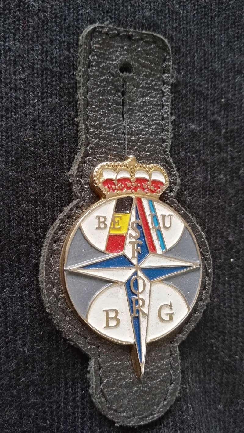 ARMEE BELGE : BRELOQUES MISSION EN EX-YOUGOSLAVIE Img_2165