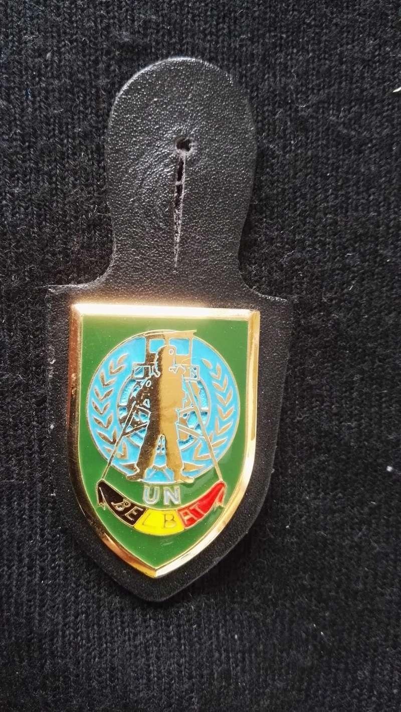 ARMEE BELGE : BRELOQUES MISSION EN EX-YOUGOSLAVIE Img_2167