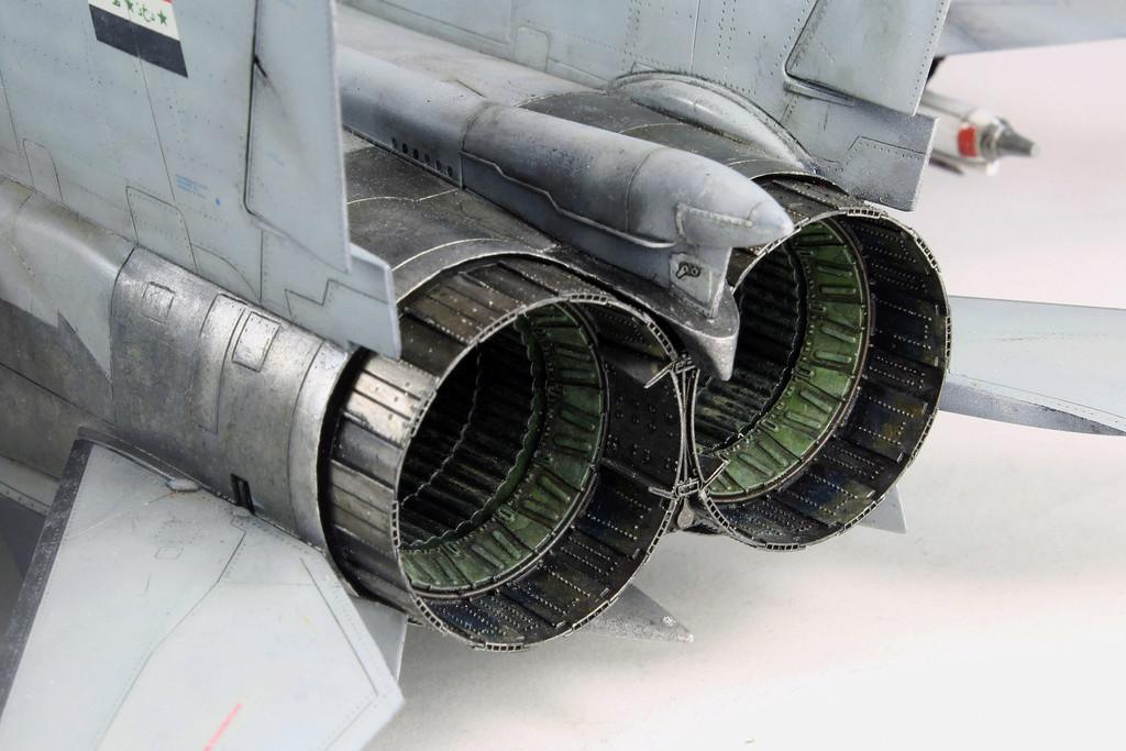 iraq - 1/48 Mig-25PDS Iraq - Terminé!! Img_2065