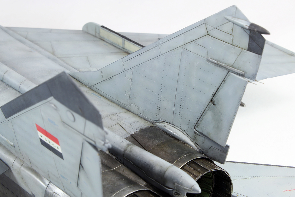 iraq - 1/48 Mig-25PDS Iraq - Terminé!! Img_2067