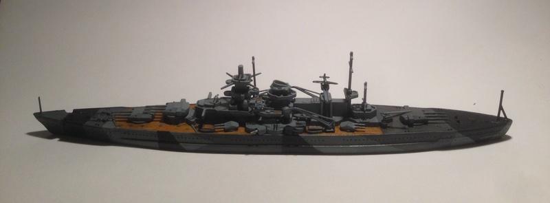 Croiseur de bataille scharnhorst 1/1200 revell Img_1626