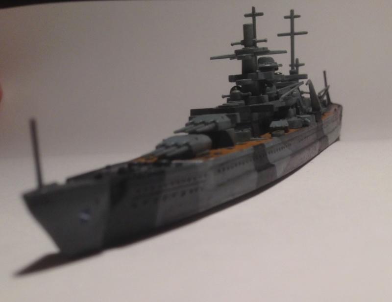 Croiseur de bataille scharnhorst 1/1200 revell Img_1628