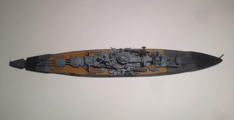Croiseur de bataille scharnhorst 1/1200 revell Img_1629
