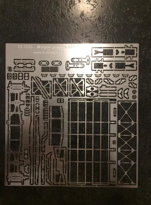 [TJ-Modeles] TJ-7555 - Plat à pupitre U51-6 (Kit) - Ech. N Img_2210