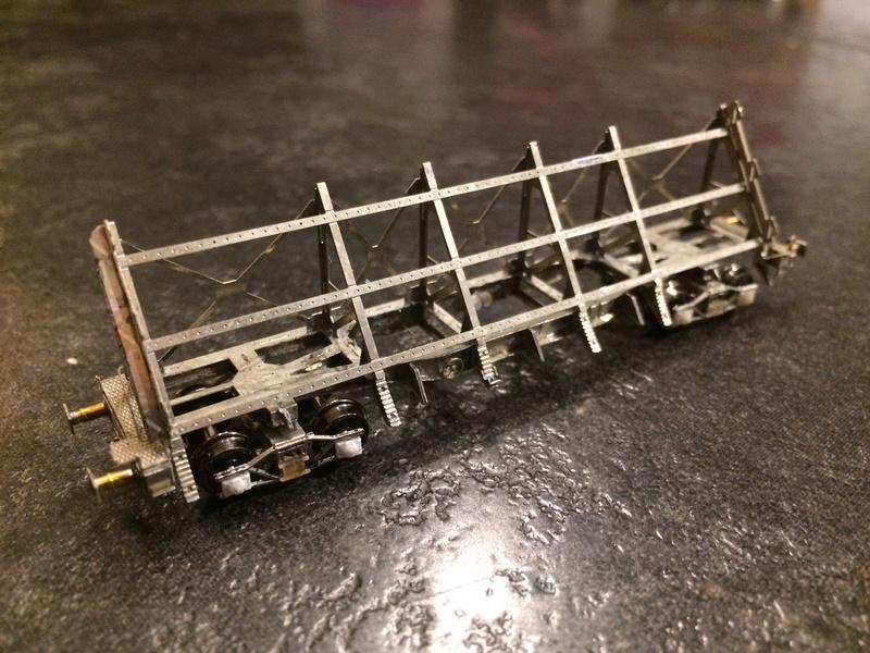 [TJ-Modeles] TJ-7555 - Plat à pupitre U51-6 (Kit) - Ech. N Img_2216