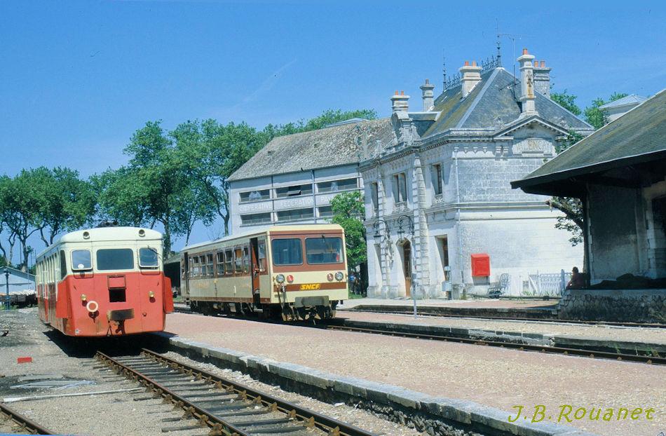 Pk 234,7 : Gare de Valençay (36) Gare_d10
