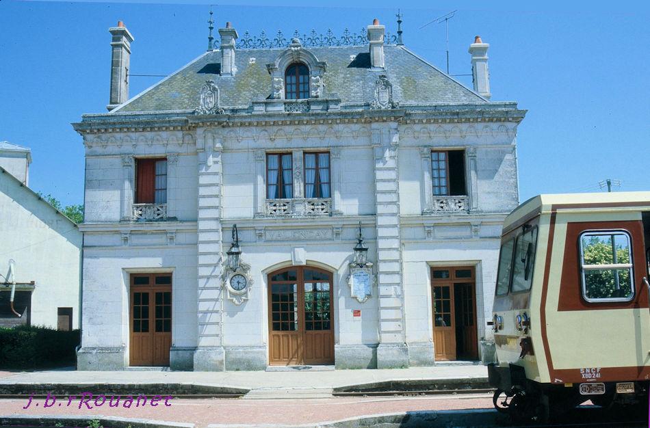 Pk 234,7 : Gare de Valençay (36) Valenc10