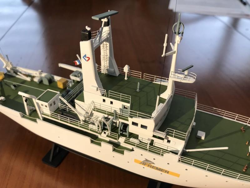 Navire de recherche du TITANIC, LE SUROIT 1/200ème Réf 80615 et PE ARSENAL  Img_4216