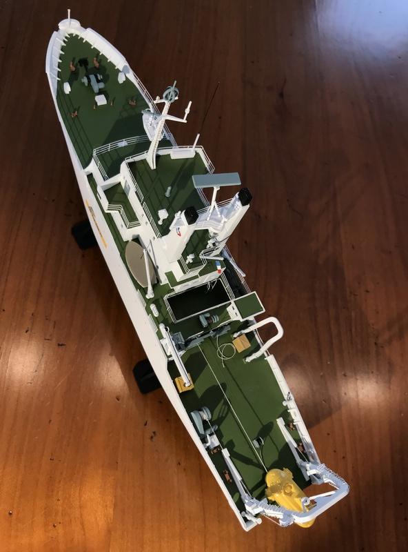 Navire de recherche du TITANIC, LE SUROIT 1/200ème Réf 80615 et PE ARSENAL  Img_4219