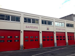 Caserne pompiers 1/43e - Page 4 Casern10