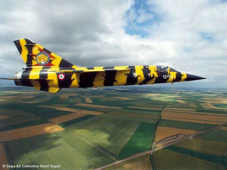 Hommage au F1 (Kittyhawk et Italeri 1/48) 6d072310