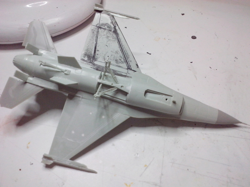 "F-16 AM ""Solo Display 2015 Blizzard"" (Revell) Img_2012"
