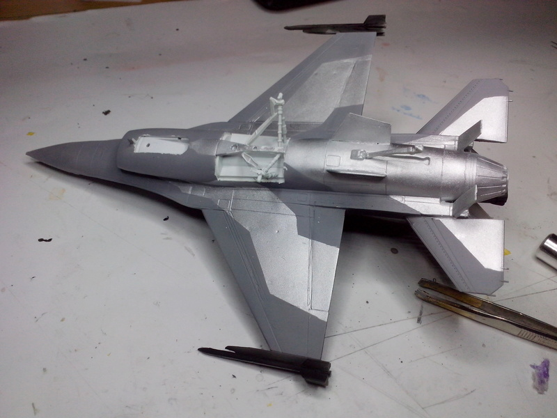 """F-16 AM """"Solo Display 2015 Blizzard"""" (Revell) - Page 2 Img_2030"""