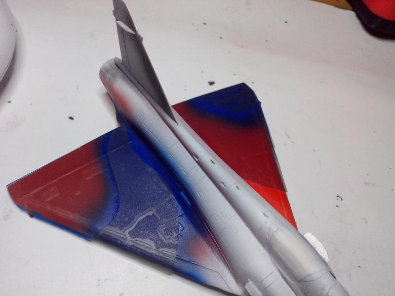 """Mirage 2000-N Ramex Delta  """"100 ans EC2/4 La Fayette"""" (Heller) - Page 2 Img_2033"""