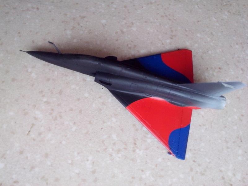 """Mirage 2000-N Ramex Delta  """"100 ans EC2/4 La Fayette"""" (Heller) - Page 2 Img_2041"""