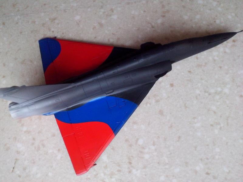 """Mirage 2000-N Ramex Delta  """"100 ans EC2/4 La Fayette"""" (Heller) - Page 2 Img_2042"""