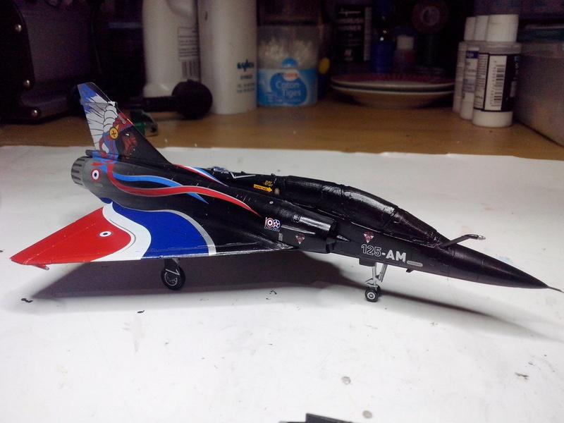 """Mirage 2000-N Ramex Delta  """"100 ans EC2/4 La Fayette"""" (Heller) - Page 2 Img_2047"""