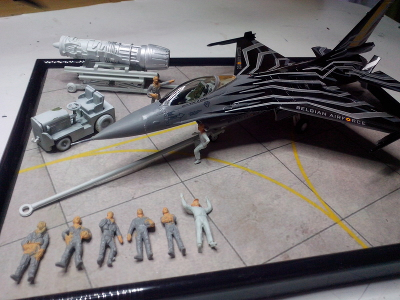 """F-16 AM """"Solo Display 2015 Blizzard"""" (Revell) - Page 3 Img_2079"""