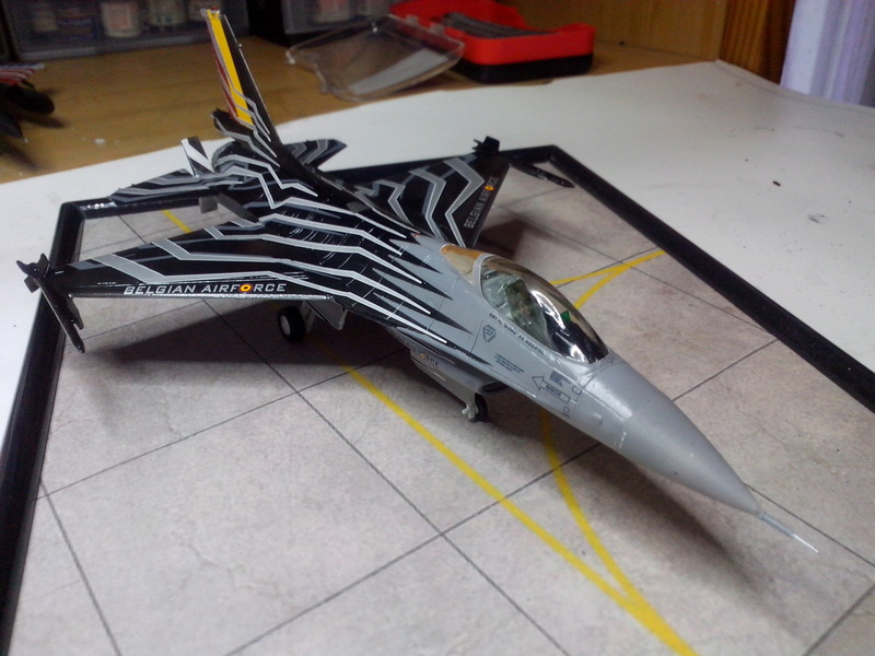 """F-16 AM """"Solo Display 2015 Blizzard"""" (Revell) - Page 3 Img_2083"""
