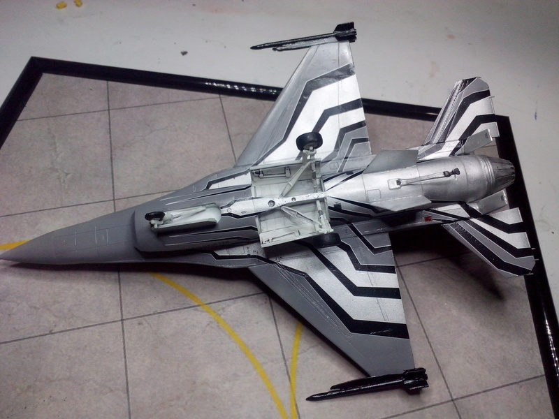 """F-16 AM """"Solo Display 2015 Blizzard"""" (Revell) - Page 3 Img_2087"""